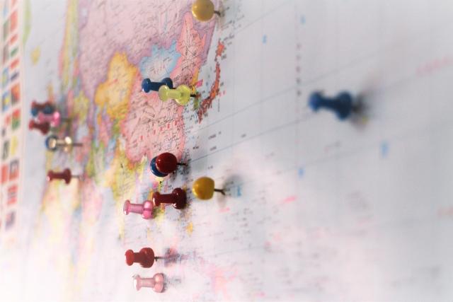 世界地図にピン